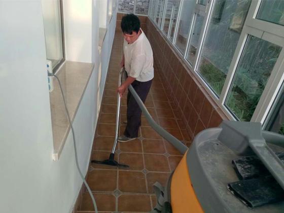 青岛市北区园林绿化工程公司办公楼开荒之洁润万家保洁